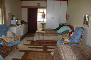 Granny flat accomodation (sleeps 3) R850.00